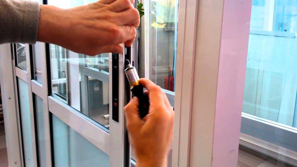 ремонт балконных дверей пвх